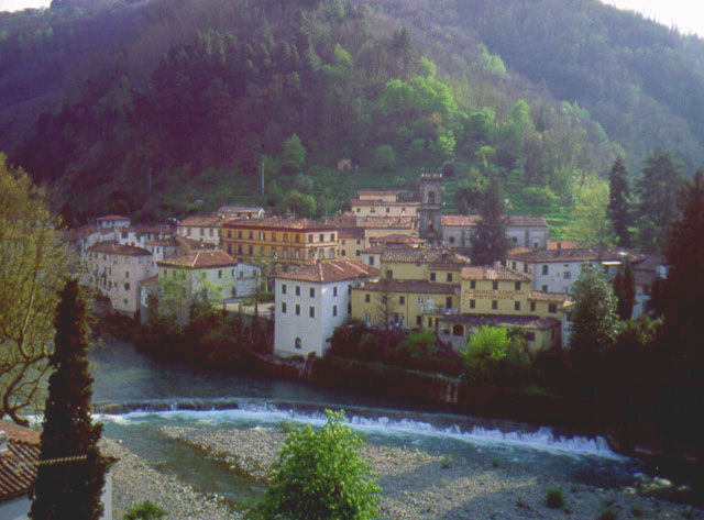 House for rent in vico pancellorum tuscany pictures - Terme di bagni di lucca ...